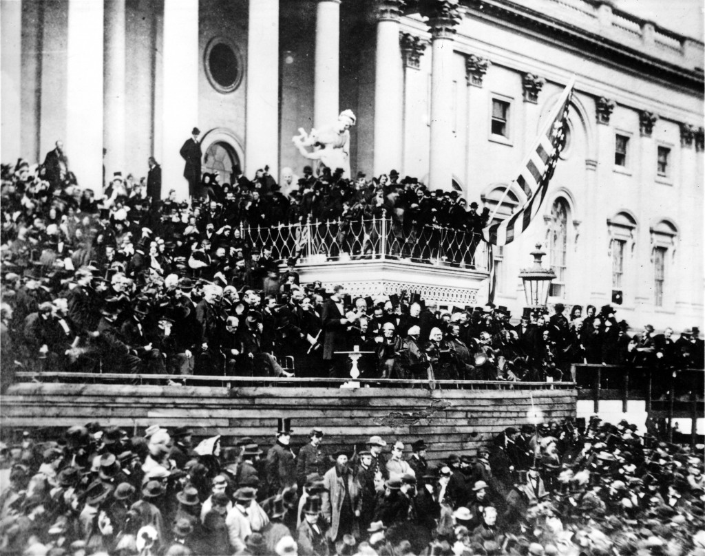 Abraham_Lincoln_giving_his_second_Inaugural_Address_(4_March_1865)